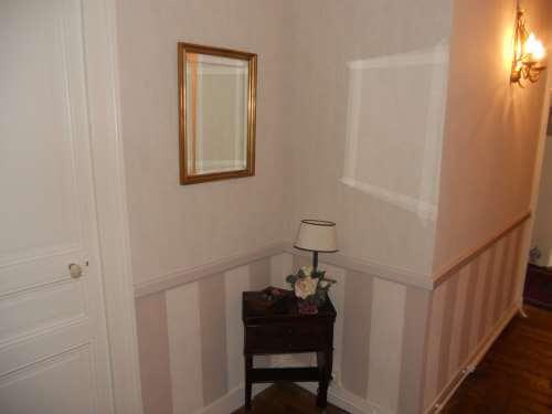 couloir en papier peint