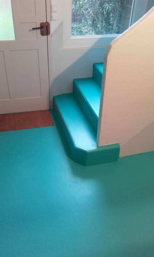 Peinture d'un escalier en béton