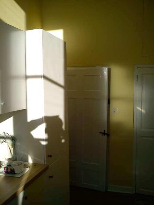 peinture laque brillante, murs en satiné