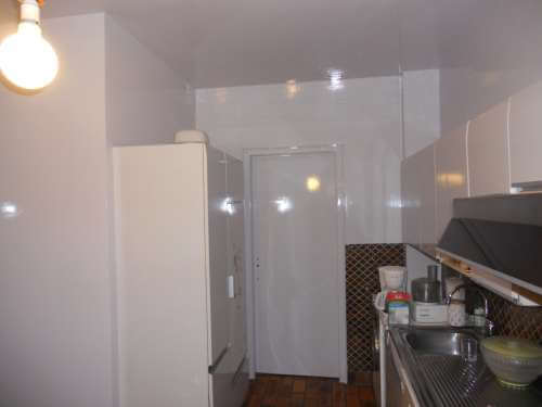 Peinture laquée brillante dans une cuisine