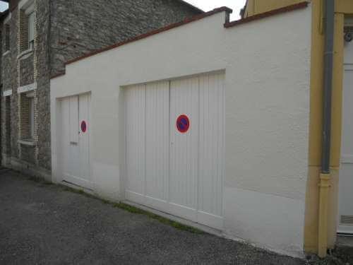Ravalement d'une façade de garages