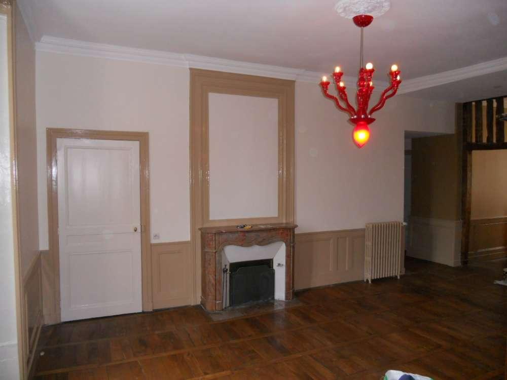 Rénovation d'un appartement ancien avec un plafond très dégradé