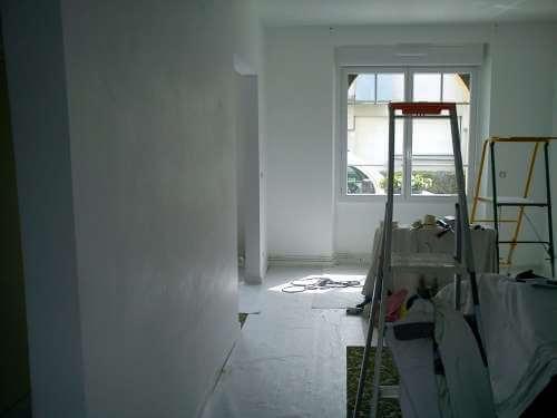 Rénovation du salon de l'appartement pendant les travaux