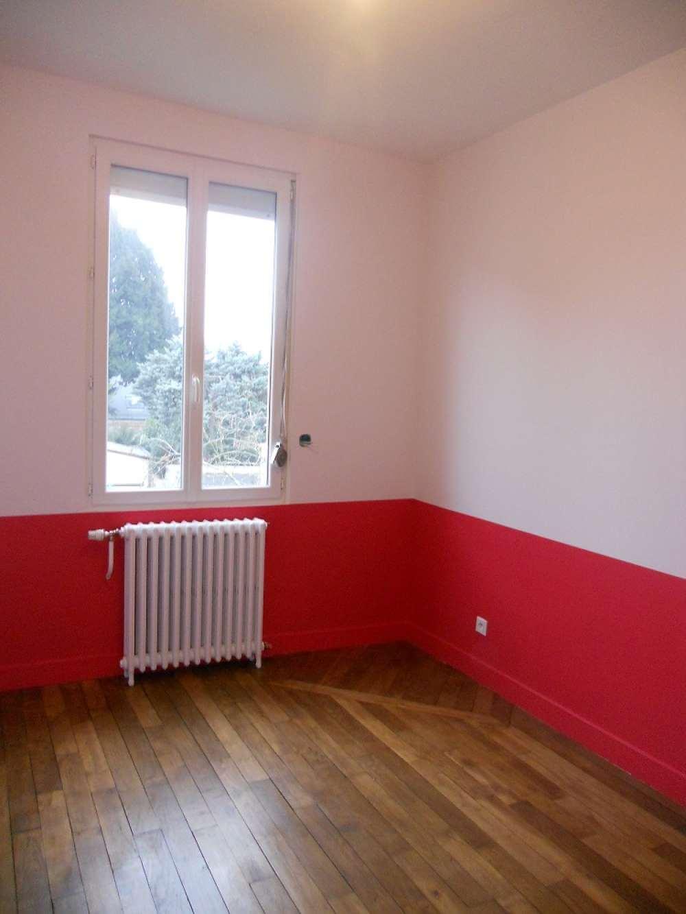 Une chambre remise en peinture