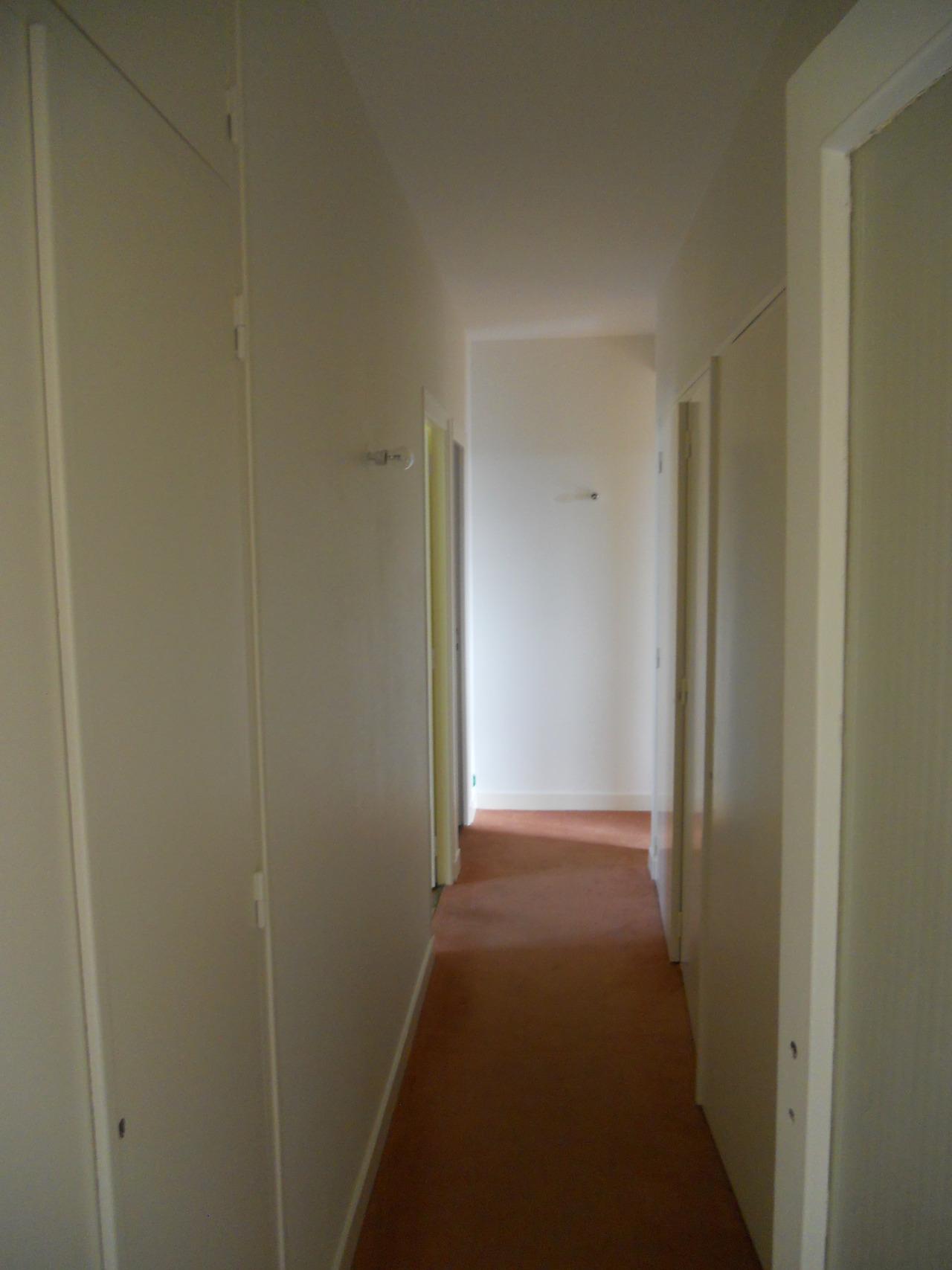 <p>couloir après</p>