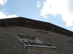 dessous de toit avant